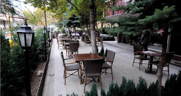 Parlamenter Pino Hotel Ankara'da kahvaltı dahil çift kişilik 1 gece konaklama 180 TL yerine 139 TL! Fırsatın geçerlilik tarihi için, DETAYLAR bölümünü inceleyiniz.