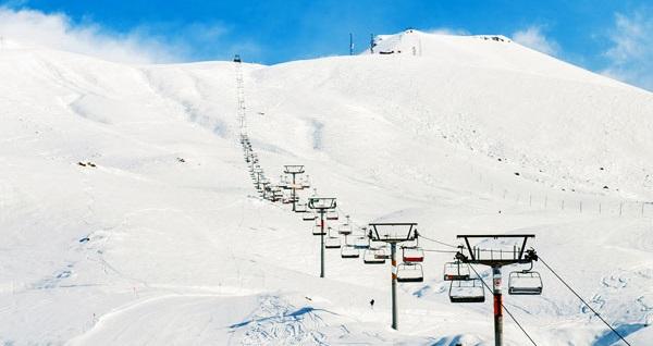 Sömestir döneminde de geçerli termal otel seçeneğiyle 3 gün 2 gece tam pansiyon konaklamalı Uludağ kayak turu kişi başı 329 TL'den başlayan fiyatlarla! Tur kalkış tarihleri için, DETAYLAR bölümünü inceleyiniz.