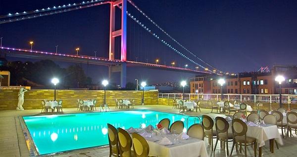Ortaköy Princess Hotel'de enfes lezzetlerle dolu açık büfe iftar menüsü 89 TL! Bu fırsat 6 Mayıs - 3 Haziran 2019 tarihleri arasında, iftar saatinde geçerlidir.