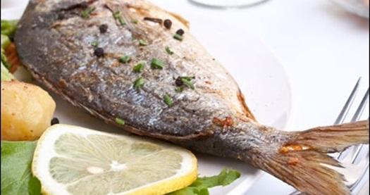 Mudanya Meral Abla Balık Restaurant'ta salata, fırında helva ve seçeceğiniz bir balık çeşidinden oluşan menü; hafta içi ve hafta sonu 10,90 TL'den başlayan fiyatlarla! 15 Temmuz 2013 tarihine kadar geçerlidir.
