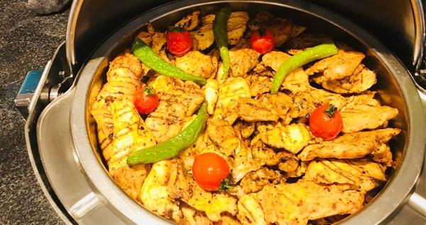 Çukurambar Point Hotel Ankara'da zengin lezzetlerden oluşan açık büfe iftar menüsü 65 TL! 6 Mayıs - 3 Haziran 2019 tarihleri arasında, iftar saatinde geçerlidir.