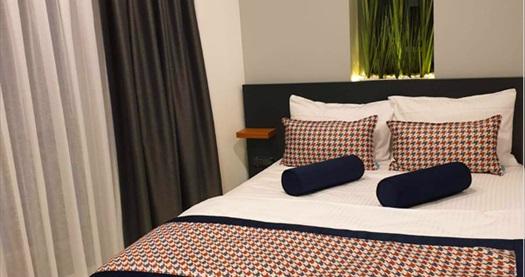 La Vita Suites Kadıköy'de konaklama seçenekleri 250 TL'den başlayan fiyatlarla! Fırsatın geçerlilik tarihi için DETAYLAR bölümünü inceleyiniz.