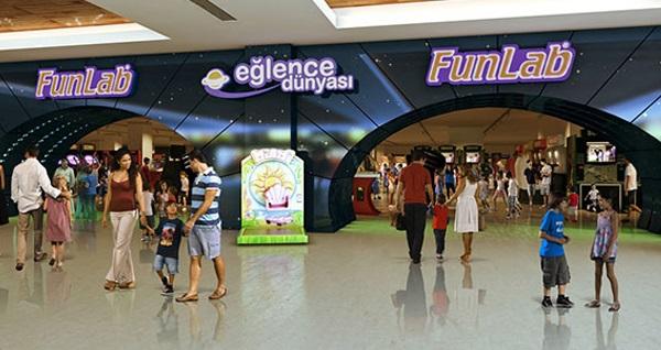Bayram tatilinde de geçerli Emaar Square Mall Fun Lab Eğlence Dünyası'ında oyun kredisi seçenekleri 35 TL'den başlayan fiyatlarla! Fırsatın geçerlilik tarihi için DETAYLAR bölümünü inceleyiniz.
