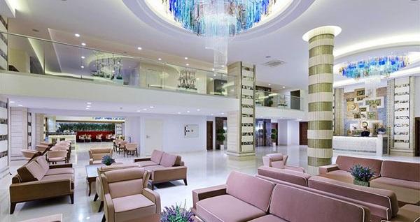 Bahçelievler Rox Hotel Airport'ta tek veya çift kişilik 1 gece konaklama seçenekleri 239 TL'den başlayan fiyatlarla! Fırsatın geçerlilik tarihi için DETAYLAR bölümünü inceleyiniz.