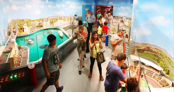 LEGOLANDⓇ Discovery Centre için giriş biletleri kişi başı 31 TL'den başlayan fiyatlarla! Fırsatın geçerlilik tarihi için DETAYLAR bölümünü inceleyiniz.