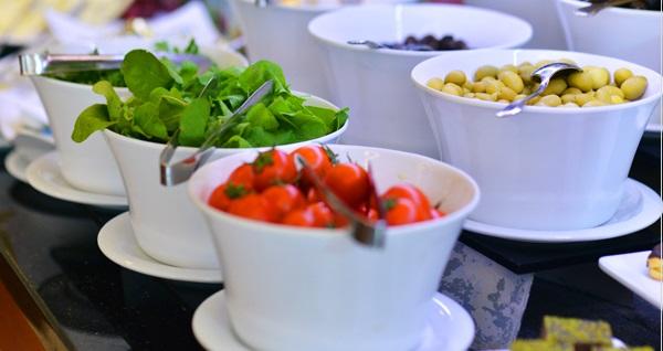 Park Dedeman Bostancı'da doğum günü ve baby showerlara özel çeşitli lezzetlerin sunulduğu açık büfe kahvaltı 720 TL'den başlayan fiyatlarla! Fırsatın geçerlilik tarihi için DETAYLAR bölümünü inceleyiniz.
