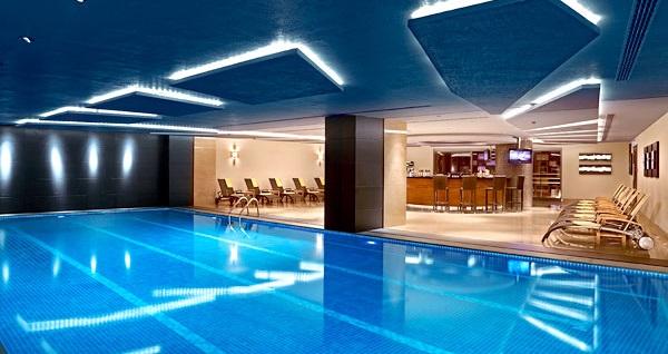Divan İstanbul Asia'da tek veya çift kişilik 1 gece konaklama ve havuz keyfi 189 TL'den başlayan fiyatlarla! Fırsatın geçerlilik tarihi için DETAYLAR bölümünü inceleyiniz.
