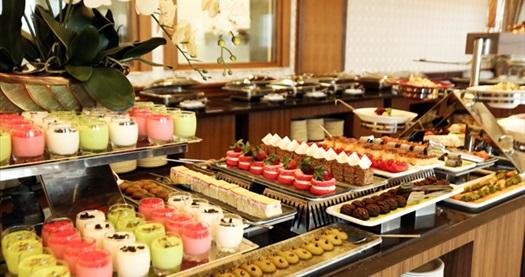 5 Yıldızlı Çukurambar Ataköşk Hotel'de fasıl eşliğinde açık büfe iftar menüsü kişi başı 54,90 TL! 6 Mayıs-3 Haziran 2019 tarihleri arasında, iftar saatinde geçerlidir.