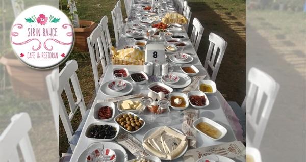 Şirince Şirin Bahçe'de enfes serpme kahvaltı keyfi kişi başı 24,90 TL! Fırsatın geçerlilik tarihi için DETAYLAR bölümünü inceleyiniz.