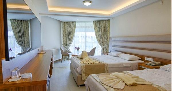 Altınoluk Altıner Hotel'de çift kişilik 1 gece Tam Pansiyon veya Yarım Pansiyon konaklama seçenekleri 300 TL'den başlayan fiyatlarla! Fırsatın geçerlilik tarihi için DETAYLAR bölümünü inceleyiniz.