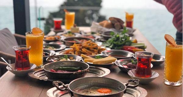Marrakech Bosphorus'da Boğaz manzarası eşliğinde enfes serpme kahvaltı kişi başı 44,90 TL! Fırsatın geçerlilik tarihi için DETAYLAR bölümünü inceleyiniz.