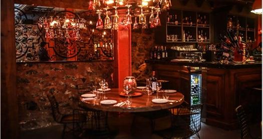 Karaköy'ün yepyeni mekanı OldTown'da birbirinden lezzetli yemek menüleri 19,90 TL'den başlayan fiyatlarla! Fırsatın geçerlilik tarihi için DETAYLAR bölümünü inceleyiniz. Hafta içi 09:00 - 02:00 & hafta sonu 09:00 - 04:00 saatleri arasında geçerlidir.