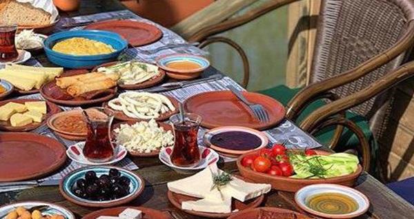 Beykoz Çömlekçi Hasan Usta'da tadına doyamayacağınız sınırsız çay eşliğinde çömlekte köy kahvaltısı 27,90 TL'den başlayan fiyatlarla! Fırsatın geçerlilik tarihi için DETAYLAR bölümünü inceleyiniz.