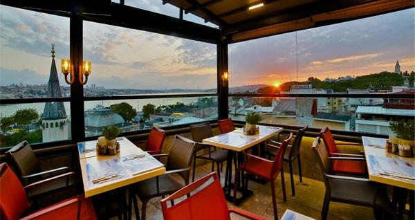Glamour Lounge Sirkeci'de Boğaz manzarası eşliğinde Hamburger menü 24,90 TL'den başlayan fiyatlarla! Fırsatın geçerlilik tarihi için DETAYLAR bölümünü inceleyiniz.