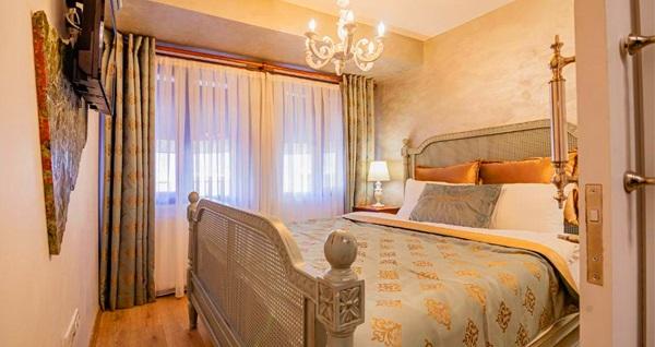 Nişantaşı Lord Morgan & Exclusive Design Hotel'de çift kişilik 1 gece konaklama 230 TL'den başlayan fiyatlarla! Fırsatın geçerlilik tarihi için, DETAYLAR bölümünü inceleyiniz.