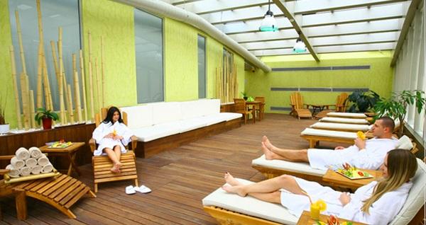 Holiday Inn İstanbul Airport Mandala Spa'da kapalı havuz girişi, tesis kullanımı, sınırsız fitness üyelikleri 59 TL'den başlayan fiyatlarla! Fırsatın geçerlilik tarihi için DETAYLAR bölümünü inceleyiniz.