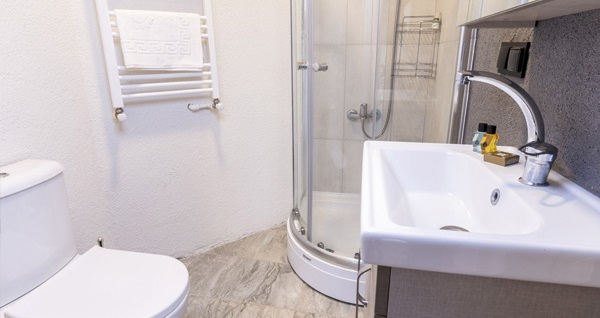 Şişli Global Suites Hotel'de şehrin merkezinde 1 gece konaklama seçenekleri 170 TL'den başlayan fiyatlarla! Fırsatın geçerlilik tarihi için DETAYLAR bölümünü inceleyiniz.