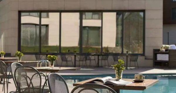 Park Inn by Radisson Istanbul Airport Odayeri Hotel'de açık büfe kahvaltı 120 TL yerine 69 TL! Fırsatın geçerlilik tarihi için DETAYLAR bölümünü inceleyiniz.