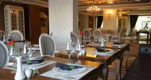 Girne Grand Pasha Hotel'de Pegasus ile ULAŞIM DAHİL çift kişilik odada kişi başı YARIM PANSİYON konaklama seçenekleri 639 TL'den başlayan fiyatlarla! Fırsatın geçerlilik tarihi için, DETAYLAR bölümünü inceleyiniz.