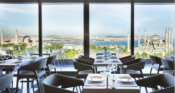Fine Dine İstanbul Restaurant'ta muhteşem manzaraya nazır eşsiz lezzetlerle dolu yemek menüsü 349 TL yerine 180 TL! Fırsatın geçerlilik tarihi için DETAYLAR bölümünü inceleyiniz.