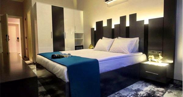 İzmir Plaza Hotel'de kahvaltı dahil çift kişilik 1 gece konaklama 240 TL yerine 139 TL! Fırsatın geçerlilik tarihi için DETAYLAR bölümünü inceleyiniz.