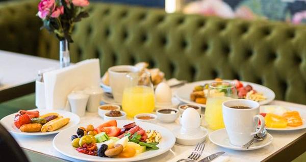 Doğa içerisindeki Sapanca Park Otel'de kahvaltı dahil tek veya çift kişilik 1 gece konaklama 117 TL'den başlayan fiyatlarla! Fırsatın geçerlilik tarihi için, DETAYLAR bölümünü inceleyiniz.