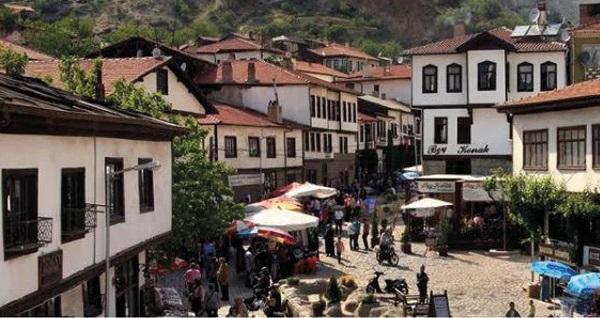 Termal otelde 2 gün 1 gece konaklamalı Amasra & Safranbolu & Yörük Köyü & Beypazarı & İnözü Vadisi turu kişi başı 149 TL'den başlayan fiyatlarla! Tur kalkış tarihleri için, DETAYLAR bölümünü inceleyiniz.