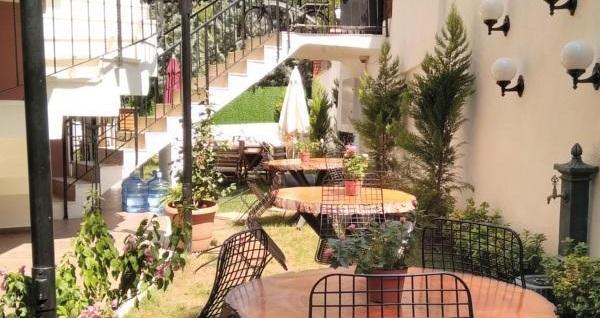 Büyükada Aşıklar Butik Otel'de kahvaltı dahil çift kişilik 1 gece konaklama keyfi 269 TL'den başlayan fiyatlarla! Fırsatın geçerlilik tarihi için DETAYLAR bölümünü inceleyiniz.