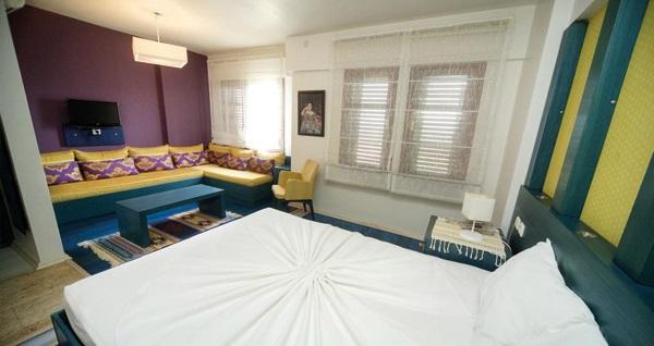 Bozcaada Hotel Apollon'un farklı odalarında açık büfe kahvaltı dahil çift kişilik 1 gece konaklama seçenekleri 149 TL'den başlayan fiyatlarla! Fırsatın geçerlilik tarihi için, DETAYLAR bölümünü inceleyiniz.