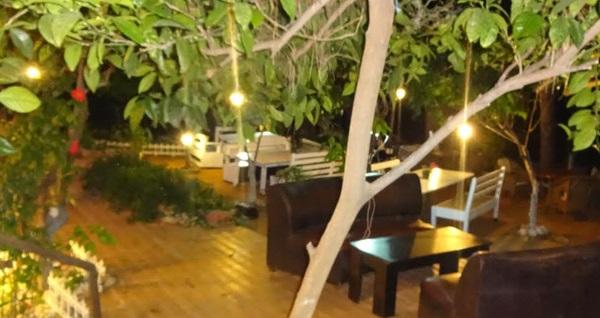 Deniz kenarında tatil keyfi! Manavgat Family Butik Hotel'de tek veya çift kişilik 1 gece konaklama seçenekleri 159 TL'den başlayan fiyatlarla! Fırsatın geçerlilik tarihi için, DETAYLAR bölümünü inceleyiniz.