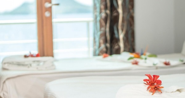 Maira Beach Hotel Bodrum'da kahvaltı dahil çift kişilik 1 gece konaklama seçenekleri 199 TL'den başlayan fiyatlarla! Fırsatın geçerlilik tarihi için, DETAYLAR bölümünü inceleyiniz.