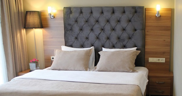 Küçükçekmece Airboss İstanbul Hotel'de kahvaltı dahil çift kişilik 1 gece konaklama 169 TL! Fırsatın geçerlilik tarihi için, DETAYLAR bölümünü inceleyiniz.