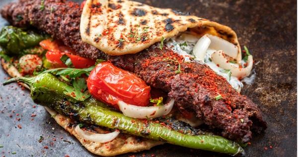 Ankara Kalesi Toprak Antik Cafe'de seçmeli zırhta Adana kebap veya ciğer şiş menü 15 TL'den başlayan fiyatlarla! Fırsatın geçerlilik tarihi için DETAYLAR bölümünü inceleyiniz.