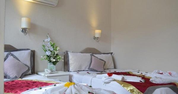 Yunus Hotel Ölüdeniz'de kahvaltı dahil çift kişilik 1 gece konaklama 59 TL! Fırsatın geçerlilik tarihi için, DETAYLAR bölümünü inceleyiniz.