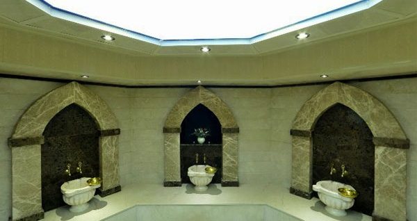Basmane Grand Corner Boutique Hotel'de spa kullanımı dahil 45 dakika yağlı masaj veya kese köpük masajı seçenekleri 100 TL'den başlayan fiyatlarla! Fırsatın geçerlilik tarihi için DETAYLAR bölümünü inceleyiniz.