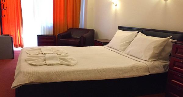 Balca Otel Alsancak'ta kahvaltı hariç çift kişilik 1 gece konaklama 169 TL'den başlayan fiyatlarla! Fırsatın geçerlilik tarihi için DETAYLAR bölümünü inceleyiniz.