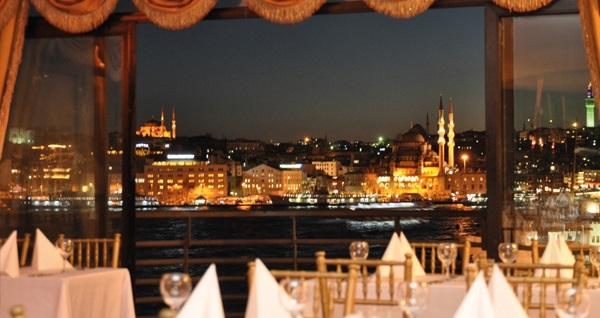 Şeker Bayramı'nda da geçerli Karaköy Aparts Hotel & Suites'in farklı odalarında kahvaltı hariç çift kişilik 1 gece konaklama 149 TL'den başlayan fiyatlarla! Fırsatın geçerlilik tarihi için DETAYLAR bölümünü inceleyiniz.