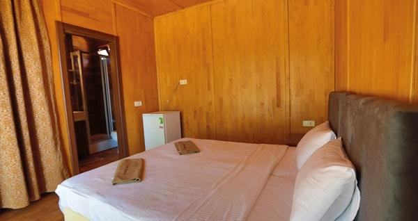 Tomato Bodrum Hotel'in farklı bungalov odalarında kahvaltı dahil 2 ya da 4 kişilik 1 gece konaklama seçenekleri 199 TL'den başlayan fiyatlarla! Fırsatın geçerlilik tarihi için, DETAYLAR bölümünü inceleyiniz.