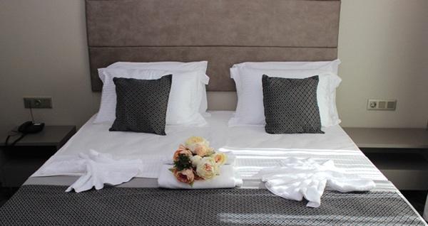 Maltepe Anka Premium Hotel'de kahvaltı dahil çift kişilik 1 gece konaklama seçenekleri 174 TL'den başlayan fiyatlarla! Fırsatın geçerlilik tarihi için DETAYLAR bölümünü inceleyiniz.
