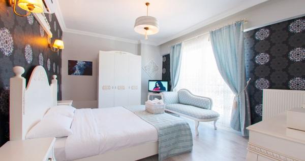 Sapanca Room Room Boutique Hotel'de çift kişilik 1 gece konaklama 149 TL'den başlayan fiyatlarla! Fırsatın geçerlilik tarihi için, DETAYLAR bölümünü inceleyiniz.