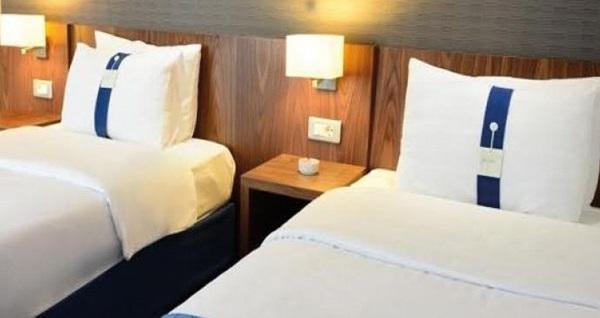 Holiday Inn Express Altunizade'de kahvaltı dahil tek veya çift kişilik 1 gece konaklama keyfi 269 TL! Fırsatın geçerlilik tarihi için DETAYLAR bölümünü inceleyiniz.