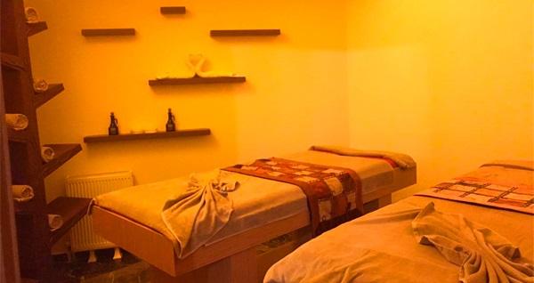 Küçükçekmece World Point Hotel Diesspa'da tek ve çift kişi seçenekleri ile 45 dakika klasik masaj keyfi ve ıslak alan kullanımı 99 TL'den başlayan fiyatlarla! Fırsatın geçerlilik tarihi için, DETAYLAR bölümünü inceleyiniz.