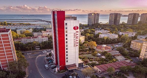 Ataköy Ramada Hotel & Suites By Wyndham İstanbul Hotel'de kahvaltı dahil çift kişilik 1 gece konaklama ve spa kullanımı