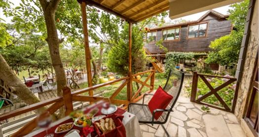Ağva'nın huzur köşesi El Rio Motel'de farklı oda tiplerinde kahvaltı dahil çift kişilik konaklama seçenekleri 229 TL'den başlayan fiyatlarla! Fırsatın geçerlilik tarihi için, DETAYLAR bölümünü inceleyiniz.