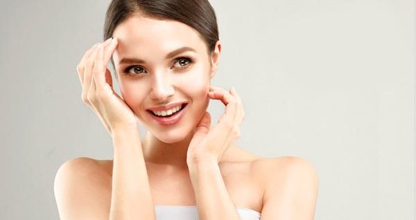 İmren Öztürk Beauty Center'da klasik cilt bakım uygulaması