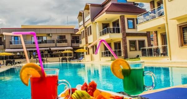Form Hotel Thermal & Spa Kaz Dağları'ında çift kişilik 1 gece Yarım Pansiyon konaklama seçenekleri 191 TL'den başlayan fiyatlarla! Fırsatın geçerlilik tarihi için DETAYLAR bölümünü inceleyiniz.