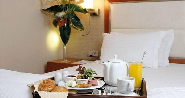 Ankara Houston Hotel'de kahvaltı dahil çift kişilik 1 gece konaklama 239 TL! Fırsatın geçerlilik tarihi için, DETAYLAR bölümünü inceleyiniz.