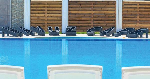 Şile Uçar Royal Hotel'de 1 kişilik havuz girişi 100 TL'den başlayan fiyatlarla! Fırsatın geçerlilik tarihi için DETAYLAR bölümünü inceleyiniz.