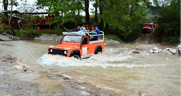 Enjoy Rafting'te açık büfe öğle yemeği dahil 14 km Rafting Turu, Jeep Safari ve Buggy Safari kombine turları 89,99 TL'den başlayan fiyatlarla! Fırsatın geçerlilik tarihi için DETAYLAR bölümünü inceleyiniz.