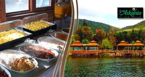 İznik Askania'da enfes manzara eşliğinde açık büfe kahvaltı keyfi kişi başı 50 TL yerine 39,90 TL! Fırsatın geçerlilik tarihi için DETAYLAR bölümünü inceleyiniz.